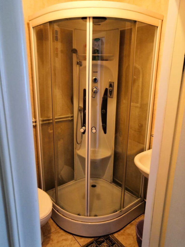 Санузел в номере стандарт 2-х местный в гостинице Постоялый Двор
